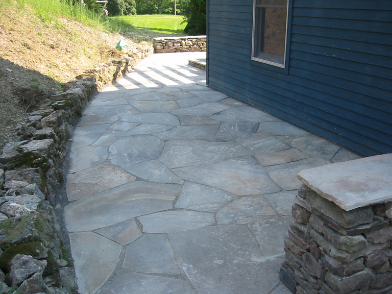 More stone patio pictures natural flagstone patios and for Pics of stone patios