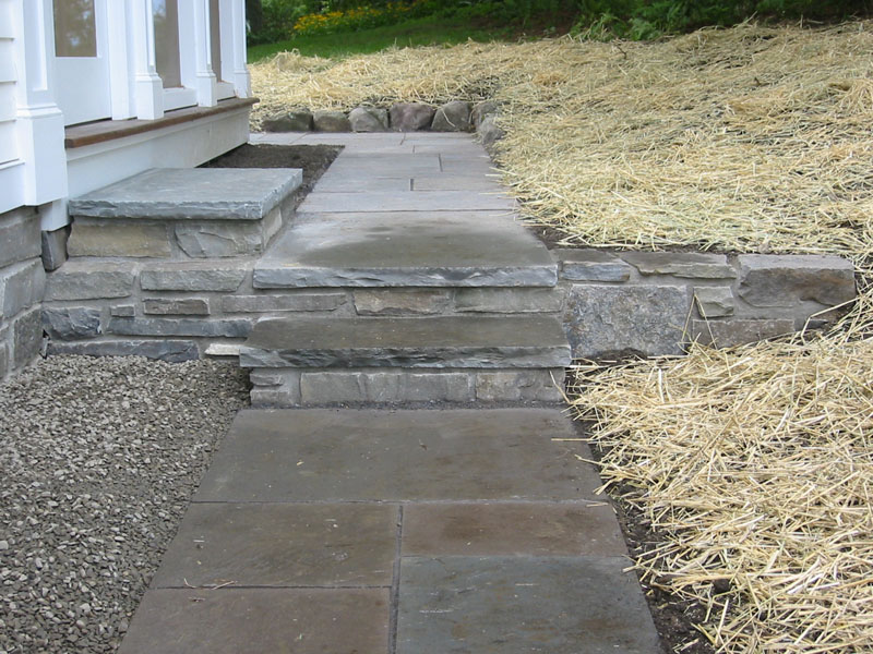 Stone Walkway Pictures - Natural, Square Cut and Brick Walkways