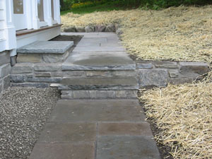 Square Cut Flagstone Walkway with Steps